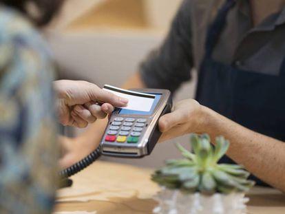Así puede huir de los peligros de la tarjeta de crédito 'revolving'