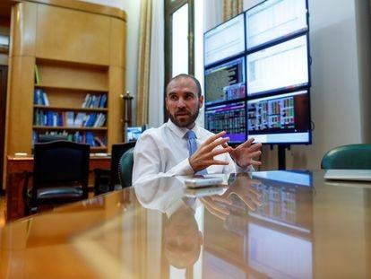 El ministro de Economía de Argentina, Martín Guzmán, en su despacho de Buenos Aires el 11 de marzo pasado.