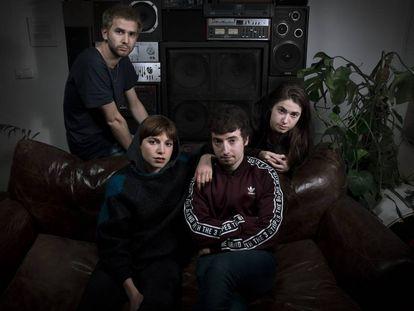 Belako —de izquierda a derecha: Josu Billelabeitia, Cris Lizarraga, Lander Zalakain y Lore Billelabeitia—, en Cuervo Store Madrid.