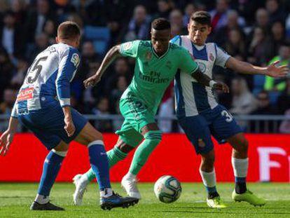 El extremo brasileño, el más activo del Madrid, comparte titularidad por primera vez con su compatriota Rodrygo
