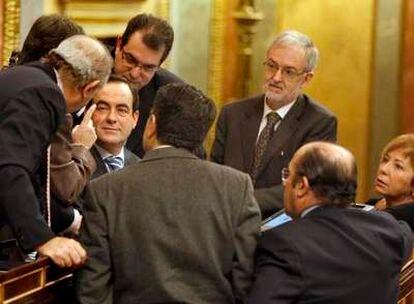El presidente del Congreso, José Bono, ha tomado la polémica decisión de frenar y repetir una votación por un problema técnico.