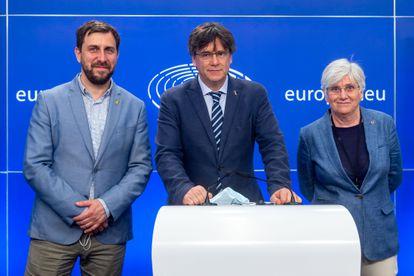 Carles Puigdemont, Toni Comín y Clara Ponsatí en el Parlamento Europeo, el pasado 3 de junio.