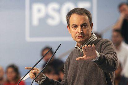 """Rodríguez Zapatero presenta a Simancas como un candidato """"honesto y digno""""."""
