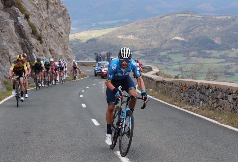 Ataque de Valverde en la ascensión a Orduña.
