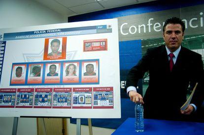 Luis Cárdenas Palomino, excoordinador de Inteligencia para la Prevención de la PFP, da a conocer los integrantes de la banda de secuestradores a la que pertenecían presuntamente Florence Cassez e Israel Vallarta.