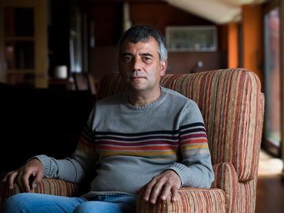 Rogelio Antelo, vecino de Corcubión (A Coruña) afectado por la ataxia da Costa da Morte.