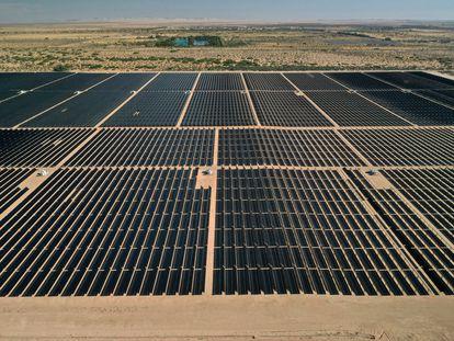 Paneles de energía fotovoltaica en El Centro, California.