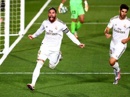 Sergio Ramos celebra el gol de la victoria del Madrid ante el Getafe.