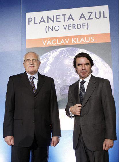 El presidente checo, Václac Klaus, y Aznar, en Madrid.