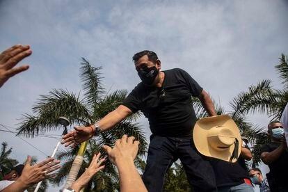 El excandidato a gobernador por el estado de Guerrero, Felix Salgado Macedonio, durante un mitin en el parque de la Reyna, en Acapulco.