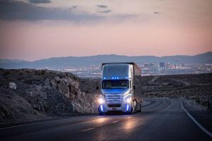 El Inspiration circula por las carreteras de Nevada.