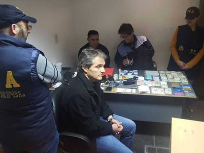 El empresario Carlos Ahumada tras su detención la semana pasada en el aeropuerto de Buenos Aires.