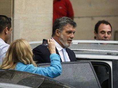 Gianfranco Macri sale de los tribunales federales de Buenos Aires, tras declarar por presunta corrupción ante el juez Claudio Bonadio.