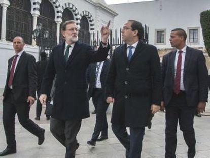 El presidente español y su delegación firman ocho acuerdos económicos y sociales pero no un convenio mutuo de extradición por culpa de la pena de muerte aún vigente