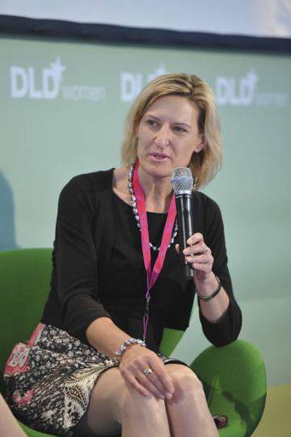 Angelika Niebler, coautora del artículo, durante su intervención en el evento DLDwomen celebrado en Múnich en 2011