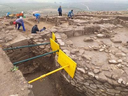 Excavación en agosto del teatro romano detectado en el subsuelo.