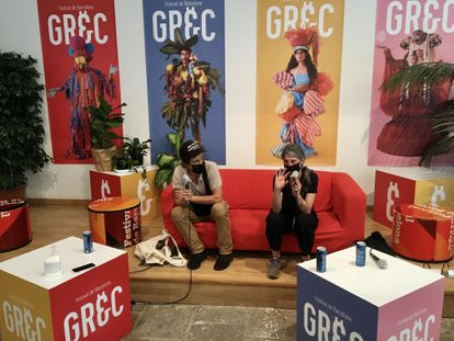 El grupo Peeping Tom, el viernes, en la presentación de su espectáculo que se verá en el Grec.
