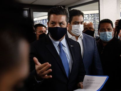 El gobernador Francisco García Cabeza de Vaca se presenta en la Cámara de Diputados en Ciudad de México (México) para conocer las acusaciones por las que se pretende su desafuero, el pasado 20 de mayo.