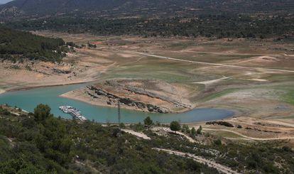 Situación del embalse de Entrepeñas del Tajo a principios de este verano.