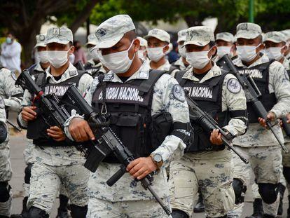Elementos de la Guardia Nacional desplegados en la frontera con Guatemala.