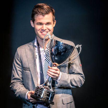 Magnus Carlsen, durante la entrega de premios del Mundial de Londres, en 2018