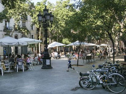 La plaza de Osca, en Barcelona