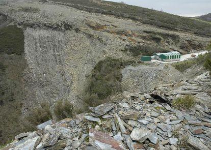 Cantera y escombrera de Pizarras del Oribio, en Lampazas ( Samos)