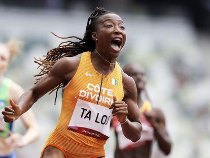 Marie Josee Ta Lou gana su serie de 100m.