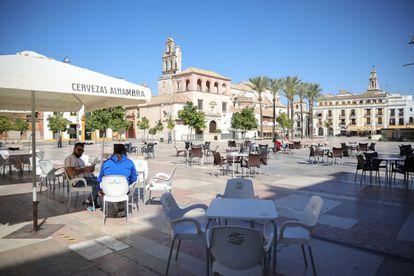 Plaza de España de Écija, municipio sevillano afectado por la contaminación del agua, el pasado octubre.