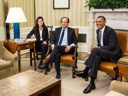 El presidente de Francia François Hollande durante la reunión con su homólogo estadounidense Barack Obama en el despacho Oval.