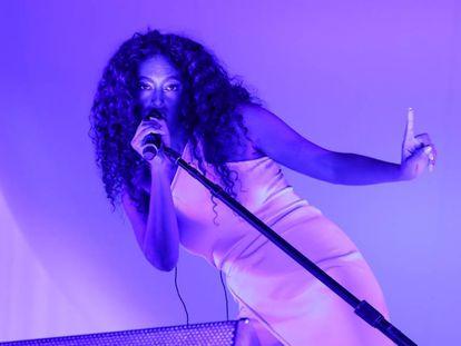 Solange en el festival Lattitude en Southwold, Reino Unido.