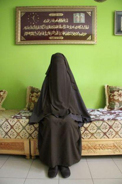 Chadia, de 15 años, en su casa.