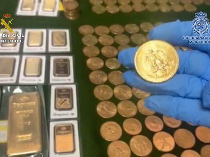 Parte del oro incautado a una organización de narcos asentada en la Costa del Sol.