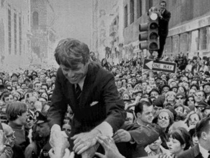 El senador Robert F. Kennedy, en un acto de campaña en Philadelphia en abril de 1968.