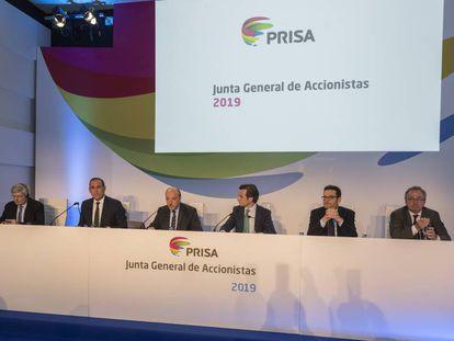 De izquierda a derecha, Dominique D'Hinnin, Manuel Mirat, Javier Monzón, Xavier Pujol, Joseph Oughourlian y Manuel Polanco, durante la Junta General de Accionistas de PRISA.