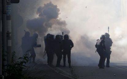 Enfrentamientos entre mineros y policía en el pozo Sotón de Hunosa, Asturias.