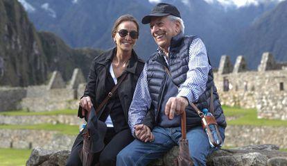 Isabel Preysler y Mario Vargas Llosa en Machu Picchu.