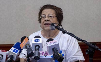 La presidenta del Cenidh, Vilma Núñez, durante una rueda de prensa.