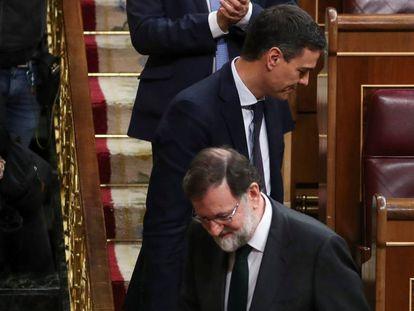 Pedro Sánchez y Mariano Rajoy durante la moción de censura