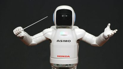 El robot Asimo (Advanced Step in Innovative Mobility).
