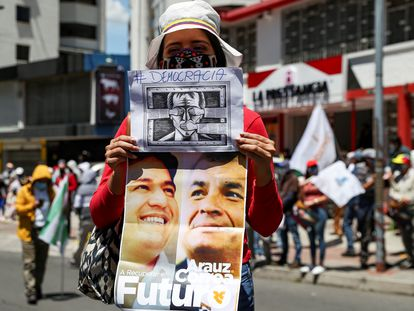 Una manifestación el pasado mes de septiembre en Quito en apoyo del expresidente Rafael Correa y el candidato al que promociona, Andrés Arauz.