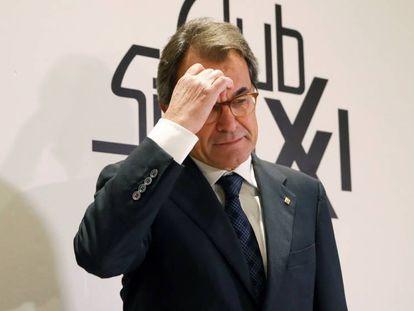 FOTO: Mas, antes de participar en un acto organizado por el Club Siglo XXI. / VÍDEO: El 'expresident' de la Generalitat, en el programa '8 al día', el pasado viernes.