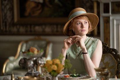 Emily Beecham, en un momento del primer capítulo de la serie.