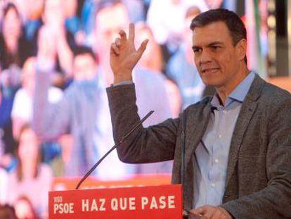 El candidato socialista decide acudir solamente al encuentro de la televisión pública