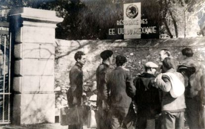 Entrada del castillo de Reynard, en Francia, que acogió a 850 hombres.