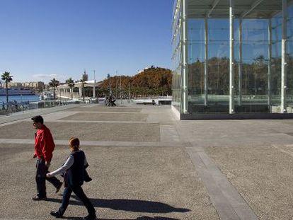 El Cubo del puerto de Málaga, futura sede del Centro Pompidou.