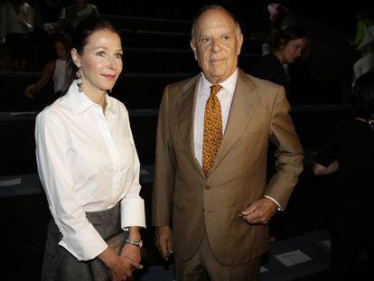 Esther Doña y Carlos Falcó, en la Mercedes-Benza Fashion Week Madrid.