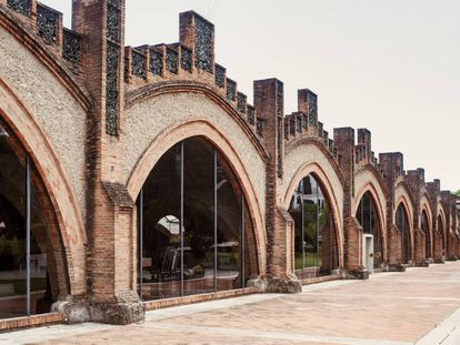 La 'catedral del cava' de Codorníu, obra de Puig i Cadafalch.
