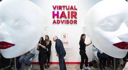 Virtual Hair Advisor, un espejo inteligente que muestra cambios de cabello.