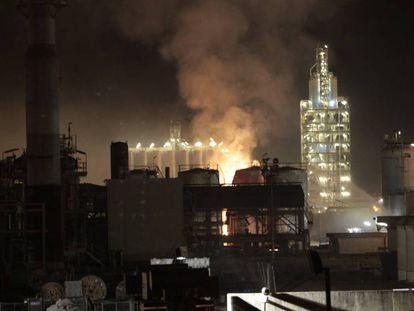 Incendio en la fabrica IQOXE en Tarragona.